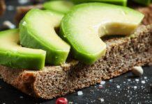 13 მიზეზი რომ ყოველდღე ავოკადო მიირთვათ. ვიმედოვნებ, პურთან ერთად ყოველთვის ჭამთ